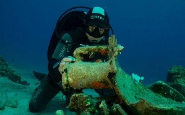 Grecia a inaugurat primul muzeu submarin, o epavă antică