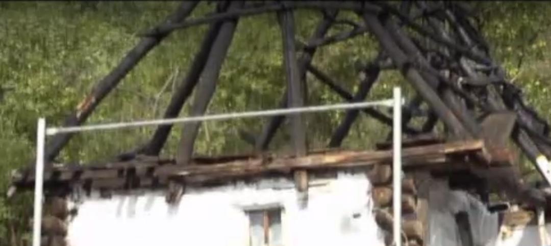 O casă din Munții Apuseni construită acum 163 de ani va fi salvată de la degradare