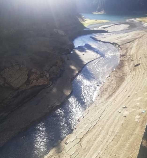 Lacul Bolboci, supranumit marea din Bucegi a secat. Iată de ce!