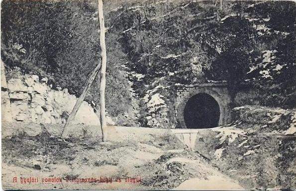 """Povestea tunelului """"blestemat"""" de sub Munții Bucegi"""