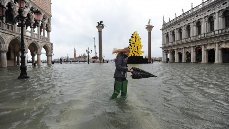 Veneția, inundată de o maree de aproape un metru și jumătate. Celebrul sistem de protecție MOSE nu a fost activat din cauza unor erori