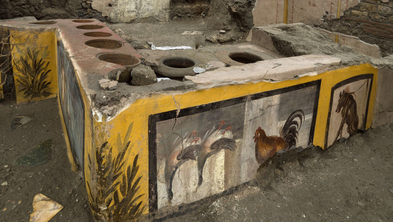 """Cum arătau """"fast-food""""-urile antice? Descoperire inedită la Pompei, sub cenușa vulcanului Vezuviu"""