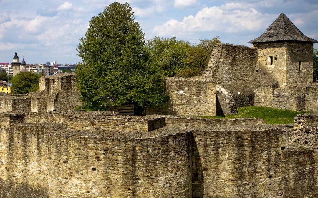 Cum a fost distrusă cetatea Sucevei lui Ștefan cel Mare, bucată cu bucată, chiar de urmașii soldaților lui