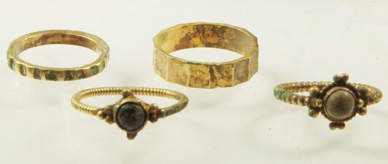 Cum a găsit un arheolog polonez o comoară de acum un mileniu veche de 1000 de ani!