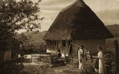 """Luna de miere de acum 100 de ani: """"Însurăţeii tăiau o găină în prag şi făceau clacă la frământat lut pentru noua casă"""""""
