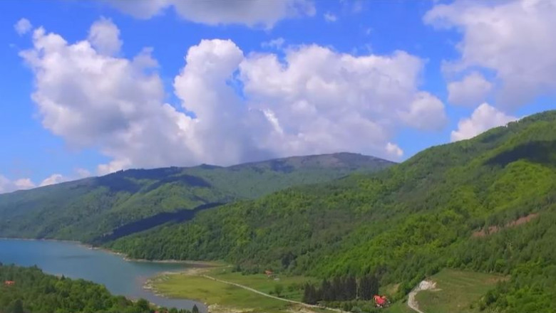 """""""Mica Elveție"""" a României, localitatea cu cel mai curat aer din Europa și cel mai frumos cer noaptea"""