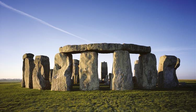 Noi descoperiri arheologice despre originile Stonehenge. Misterul pietrelor albastre, tot mai aproape de rezolvare