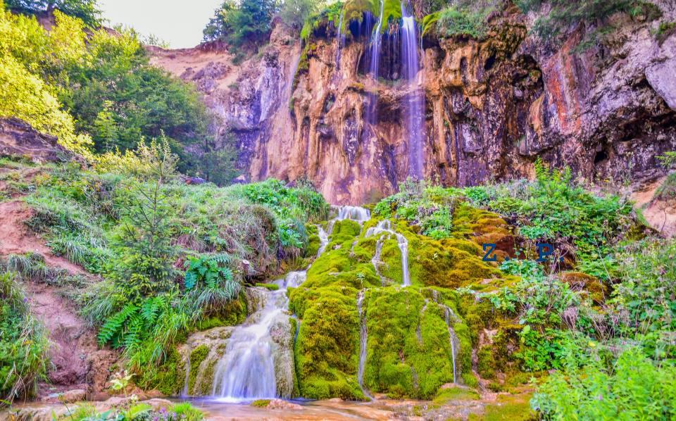 Munții Apuseni, cele mai frumoase locuri de vizitat. Cascade, peșteri și peisaje care-ți taie răsuflarea