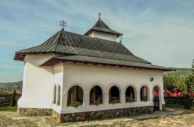 Povestea mănăstirii începută de Marașalul Antonescu