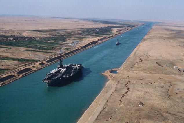 Canalul Suez: de la faraoni, la împăratul Traian și marele Napoleon, până la cargobotul Ever Given