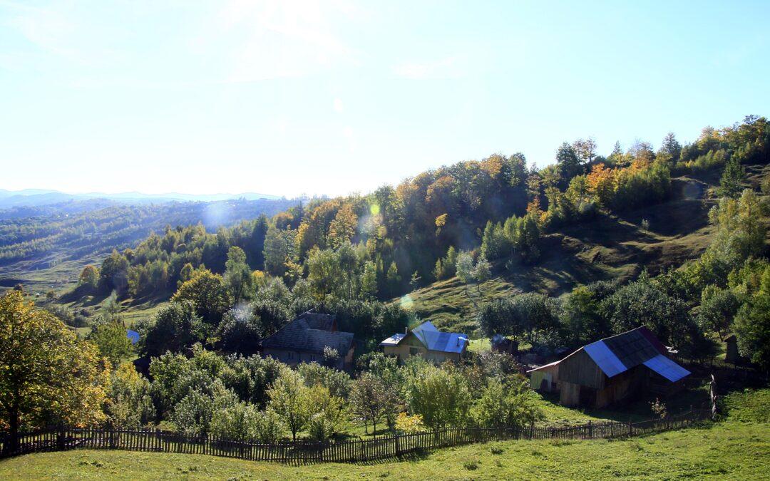 """Cum arată drumul jalnic din Carpaţii de Curbură, care """"ucide"""" turismul"""