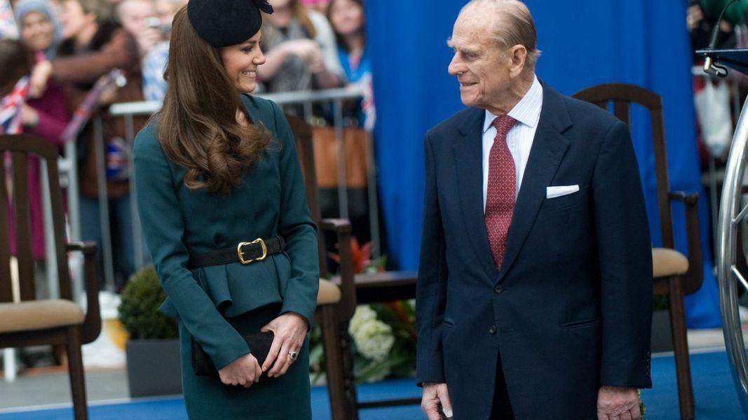 De ce Philip nu a devenit niciodată rege, dar Kate Middleton va fi regină odată cu încoronarea lui William?