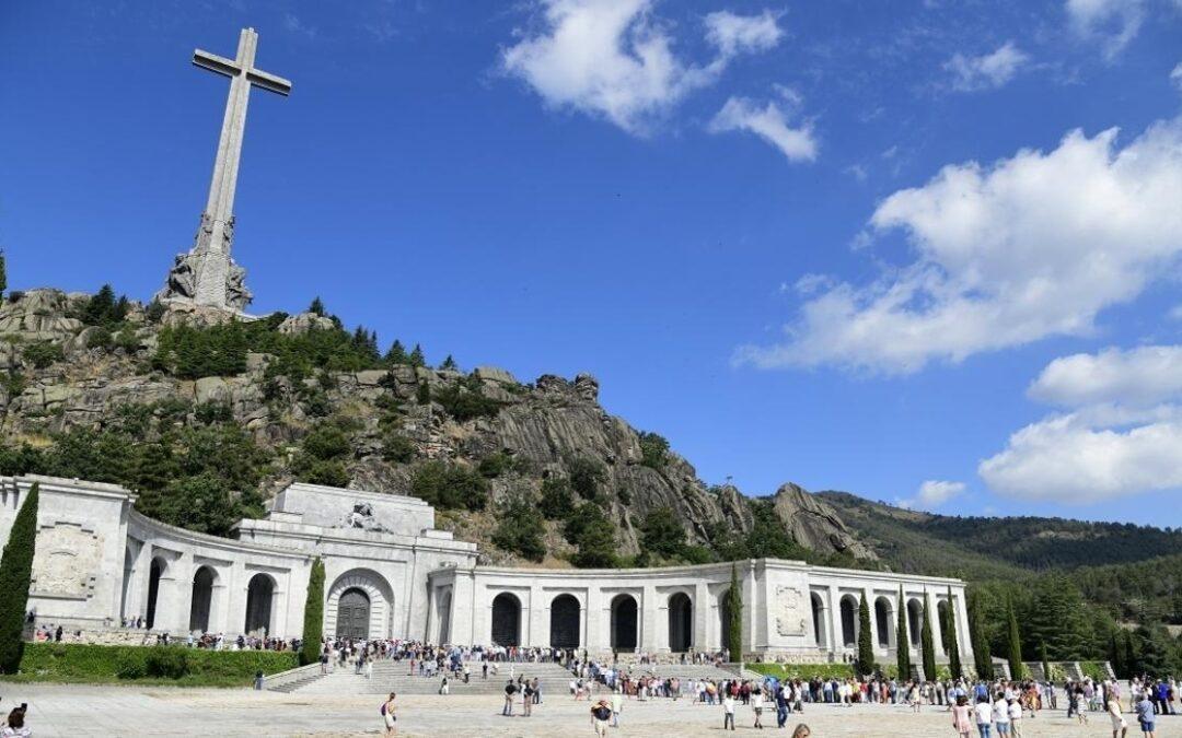 Spania plănuieşte să deschidă mormântul unde sunt îngropate 33.000 de victime ale Războiului Civil