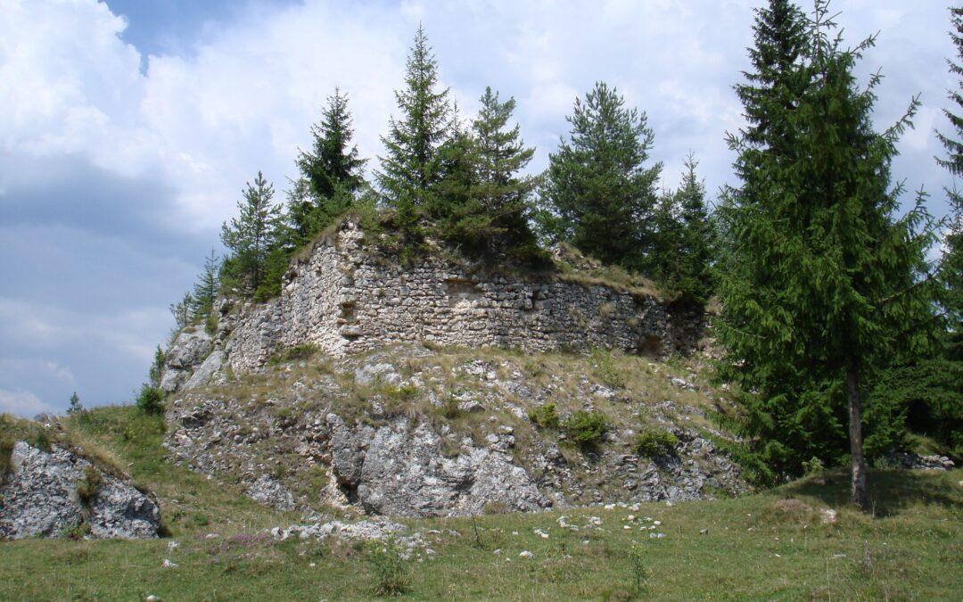 """Oratea sau """"celălalt Bran""""- cetatea care a vegheat drumul dintre Ţara Românească şi Transilvania"""