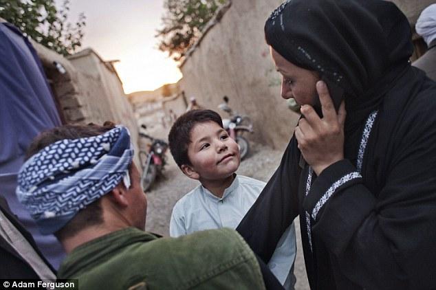 Povestea fetelor din Afganistan crescute ca băieţi – o realitate cel puțin bizară
