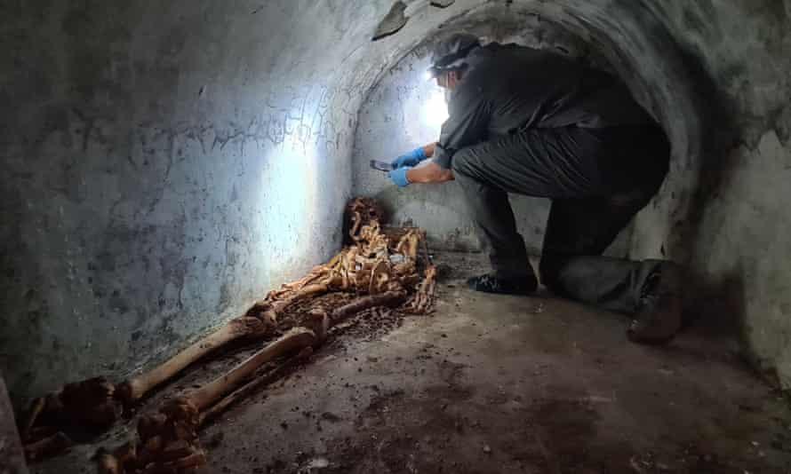 Au fost descoperite rămăşiţele mumificate ale unui bogat magistrat roman, fost sclav