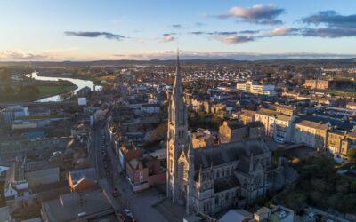 Orașul încărcat de istorie aproape de Dublin