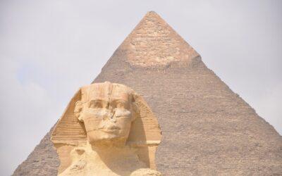 Sfinxul – statuia gigantică sub forma de leu cu cap de om