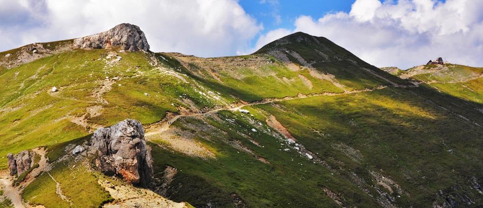 Cele mai frumoase trasee montane de toamnă din Bucegi, care pot fi parcurse inclusiv cu copiii